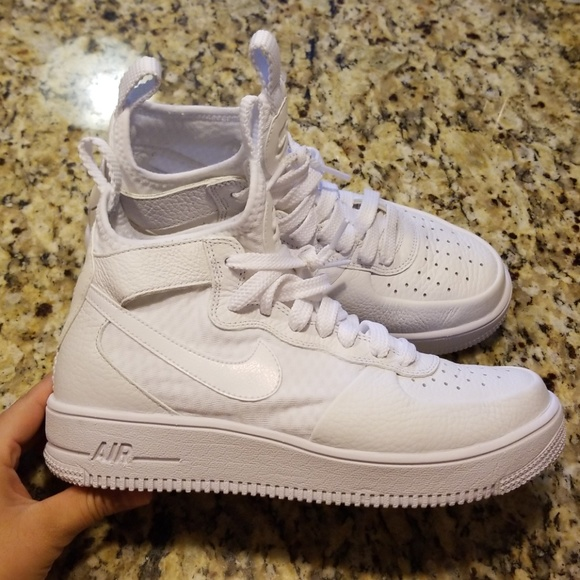 Gorgeous Nike Air Force 1 UltraForce Mid in Pure Platinum